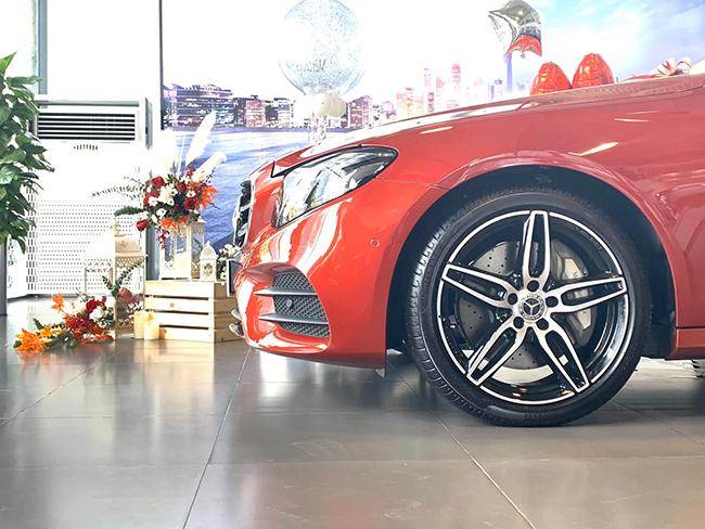 xe-mercedes-e300-amg-thong-tin-chi-tiet-ve-xe-mercedes-e300-amg_14