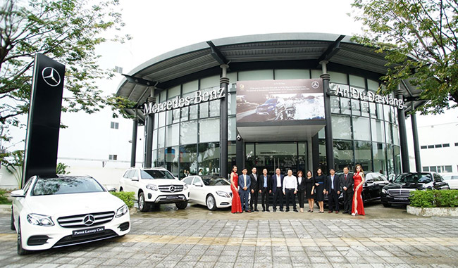 dai-ly-mercedes-da-nang-doi-xe-parrot-luxury-cars
