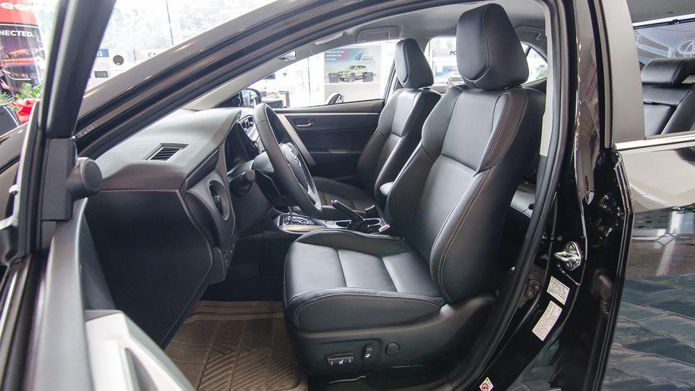 Xe-Toyota-Corolla-Altis-3